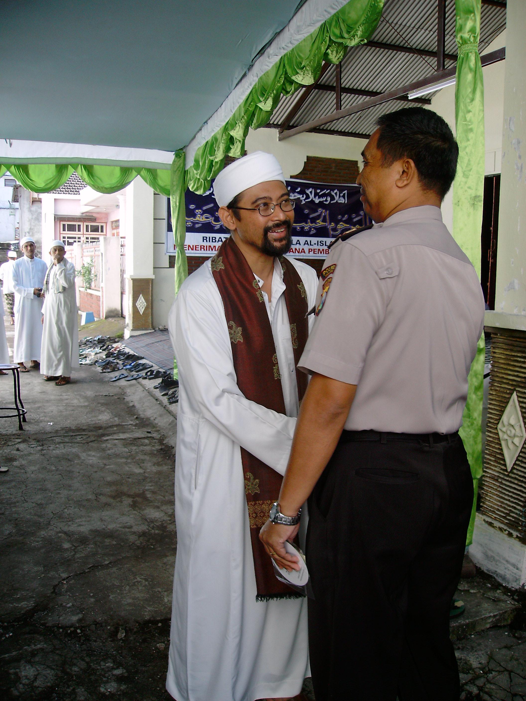 Keakraban Ust. Luthfi dg Aparat dlm Maulid, 2009